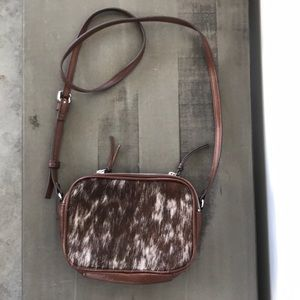 Cowhide leather and fur crossbody handbag